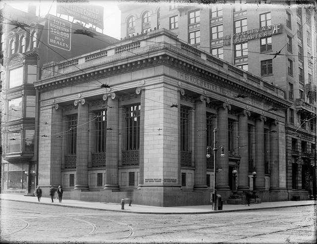Rochester Savings and Trust Company [PHOTO: Albert R. Stone]